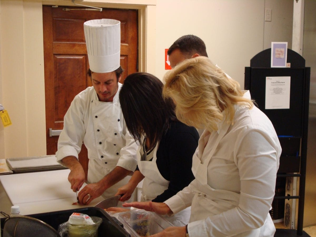 Online cooking classes learning materials for Chef comes to your house